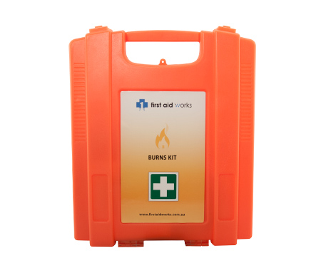 Wall mountable first aid burns kit
